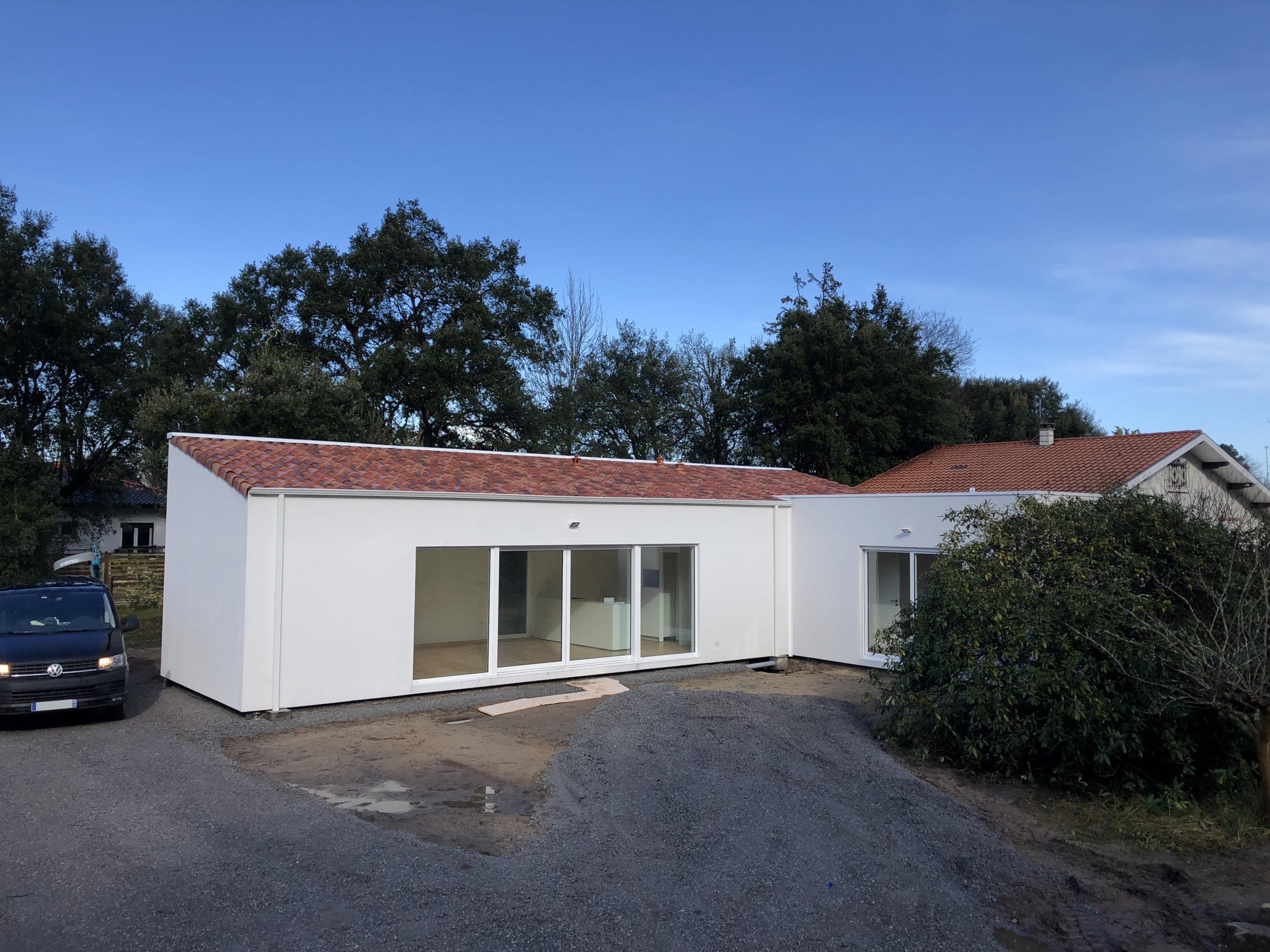 Maison moderne de plain-pied dans les Landes - HOME INDUSTRIE